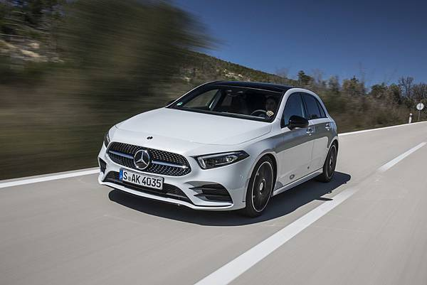 _The new A-Class在台同時推出A 180、A 200與A 250三種動力車型,售價自新台幣153萬元起.jpg