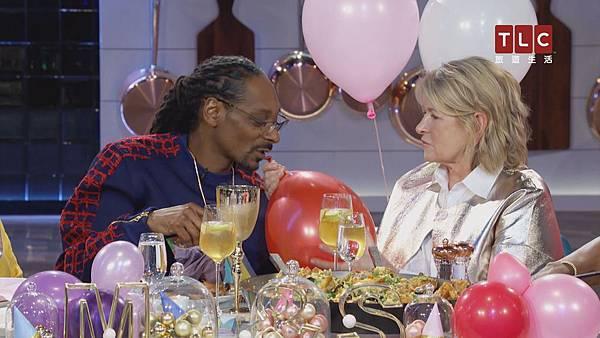 _《瑪莎與史努比的晚餐趴》第二季笑料不斷 布希麻改吸氦氣球變聲搞笑 全場HIGH到最高點.jpg