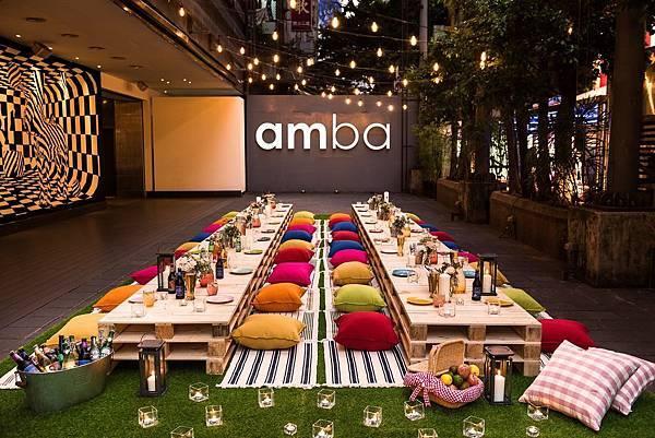 在位於酒店1樓廣場舉辦的amba好秋。野餐派對讓您感受戶外用餐的舒心暢快(圖片由台北西門町意舍酒店提供).jpg