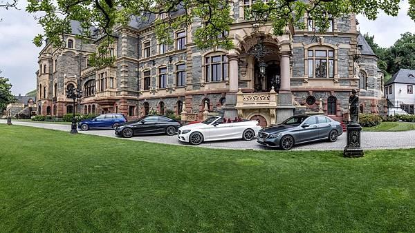 除了帶來轎車、旅行車、雙門轎跑車型以外,The new C-Class更首度引進敞篷車款,性能子品牌Mercedes-AMG也不會缺席,堪稱史上....jpg