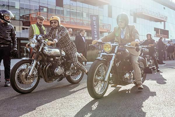2017年於倫敦舉辦的 DGR 正裝紳士騎行活動_01.jpg