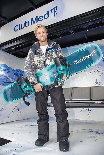 25 滑雪達人法比歐透露今年冬天要帶媽媽一起去Club Med Tomau享受天倫之樂