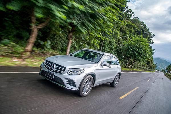 台灣賓士為持續滿足更多買家對於GLC家族的期待,GLC限定車型亦提供零利率購車優惠,本月入主GLC正是最佳時機。.jpg