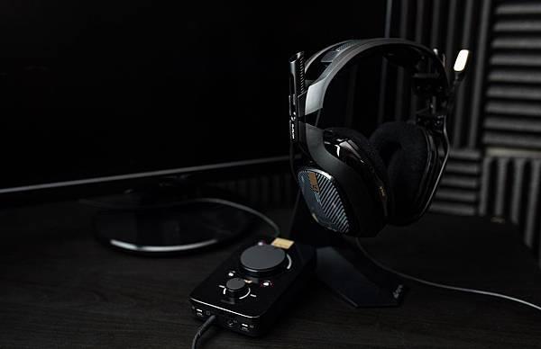 【圖二】ASTRO A40電競耳機麥克風搭混音擴大器組絕對是電競賽事級的必勝利器.jpg