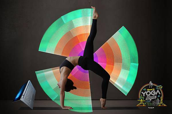 活動引進國外最潮的Light painting光影塗鴉,透過律動與光影流轉創造出絢麗迷人的光影塗鴉瑜珈.jpg