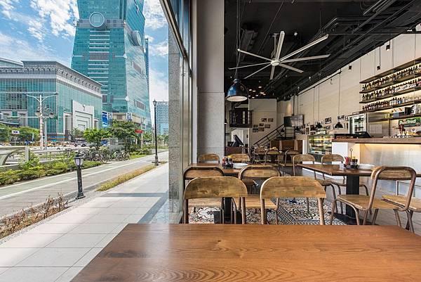 零距離欣賞101煙火大秀的最佳地點_圖片提供_1Bite2Go Café %26; Deli.jpg