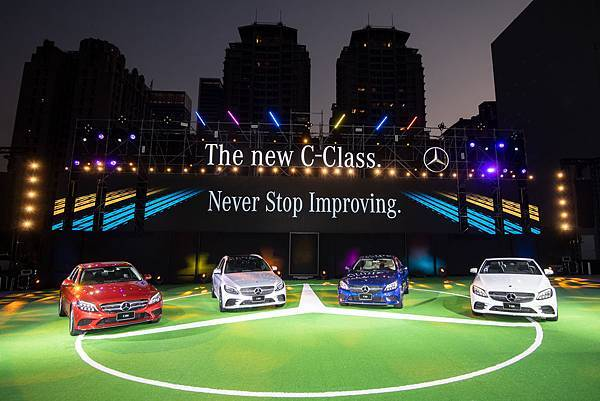 The new C-Class延續不間斷的優惠,推出多種車型40期零利率的超誘人資融方案,本月更額外新增乙式保險優惠.jpg