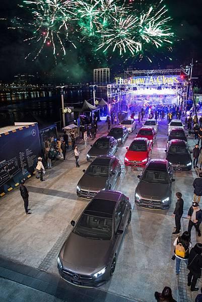 台灣賓士重現信義區貨櫃市集,將大稻埕碼頭化身河畔派對.JPG