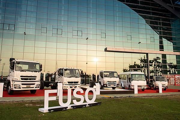 蟬聯台灣商業車銷售26年冠軍的FUSO,多年來與許多頭家與運轉手們一起打拼,成為推動台灣經濟成長的無名英雄.jpg