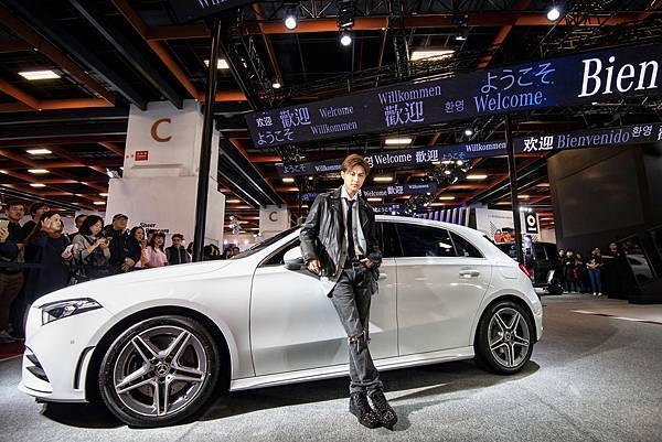 王子以車主身分現身說法,再次說明台灣賓士授權經銷通路所售出車輛的優異品質與服務.jpg