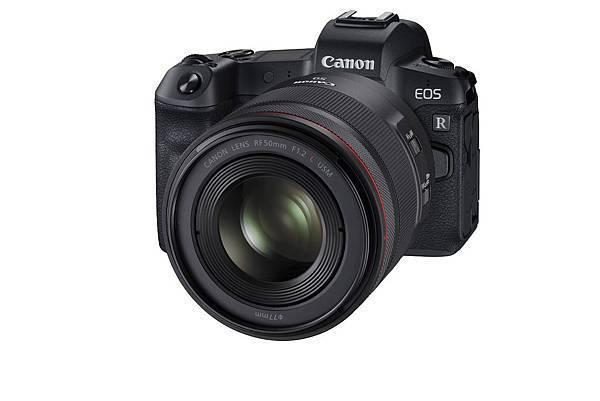 【新聞圖說1-1】Canon 首款全片幅無反光鏡數位單眼相機 EOS R,單機身 EOS R 優惠價$67,000元,單鏡組合EOS R 機身與....jpg