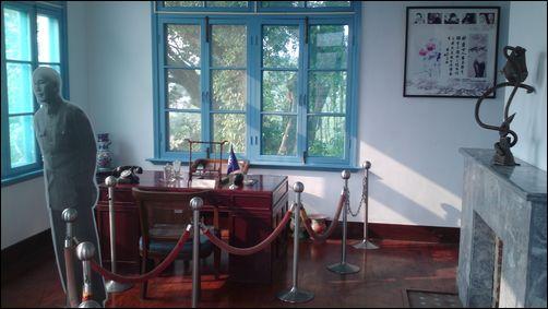 桃園大溪藝文之家 - 蔣公曾使用過的辦公桌椅