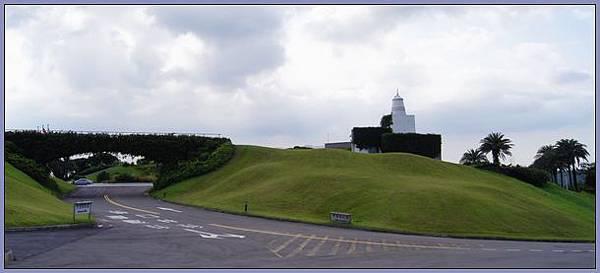 龜山壽山巖觀音寺 - 廟後的東方高爾夫球場