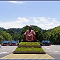 大溪慈湖停車場出入口的蔣公雕像