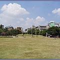 桃園市文昌公園 - 望眼綠意的大樹草坪