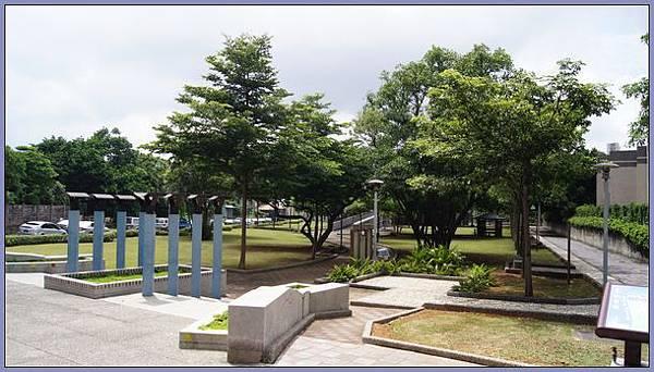 桃園市玉山公園 - 步道.綠樹