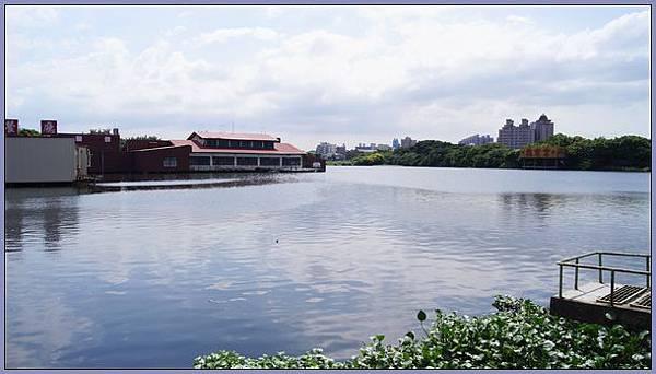 桃園八德市和平大池(前大湳水上樂園)