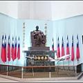 中正航空科學館 - 1樓大廳內的蔣公銅像