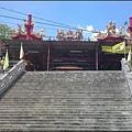 觀音山 - 主祀北極玄天上帝的九龍順天宮 (入口石階梯)