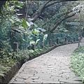 通往承天禪寺後門的廣欽老和尚紀念步道