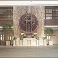 中壢圓光佛教研修院一樓大廳的千手觀音銅雕像