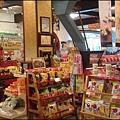 牛軋糖博物館 - 販賣超多商品的一樓大廳 2