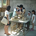 鶯歌陶瓷藝術園區 - 表情超認真的小小捏陶師傅