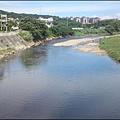 從龜山青溪橋上俯覽波光粼粼的南崁溪