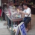 新竹內灣老街 - 內灣戲院前吹製玻璃的老師傅