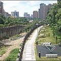 從南祥橋上俯覽大坑溪景&吉祥河濱公園步道