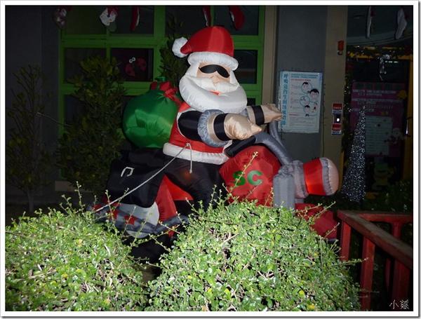 24707109:時代變了聖誕老公公是騎機車來的