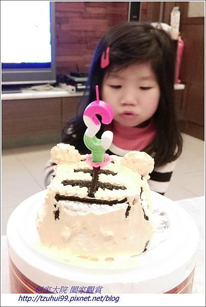 寶貝霓三歲生日05