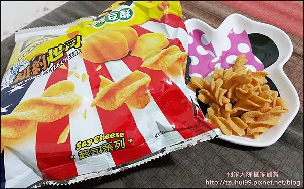 聯華食品可樂果起司口味 07.jpg