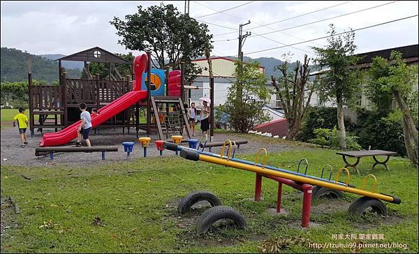 宜蘭 寒溪吊橋寒溪國小 15.jpg