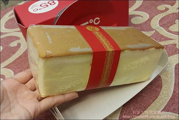 舒芙蕾輕乳酪 (85度C甜點) 05.jpg