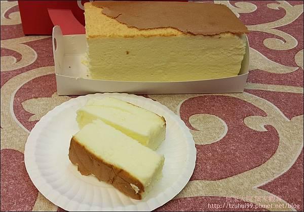 舒芙蕾輕乳酪 (85度C甜點) 09.jpg