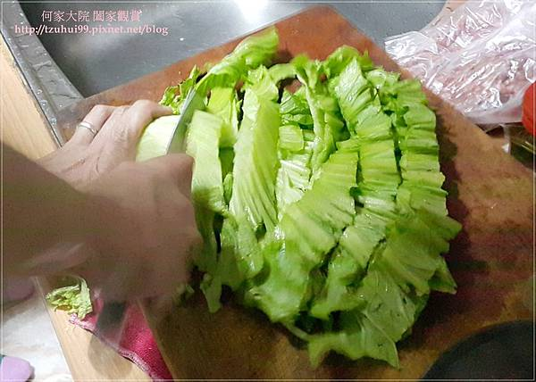 (鑄鐵鍋料理)櫻花蝦芥菜飯佐臘腸 06.jpg