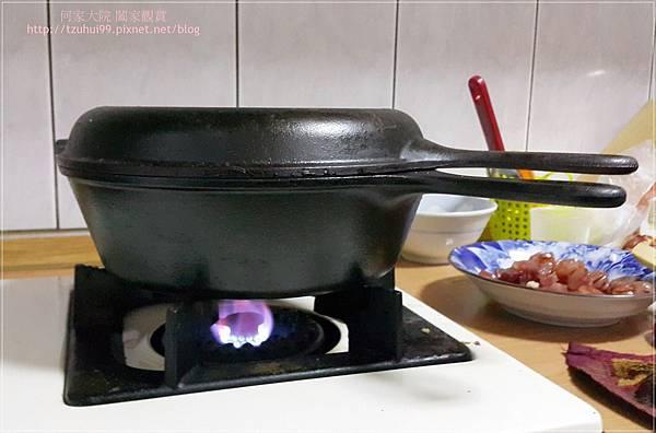 (鑄鐵鍋料理)櫻花蝦芥菜飯佐臘腸 19.jpg