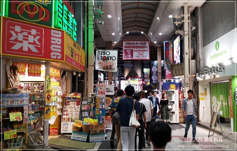 日本必吃美食拉麵一蘭拉麵(大阪梅田阪急東通店 02.jpg