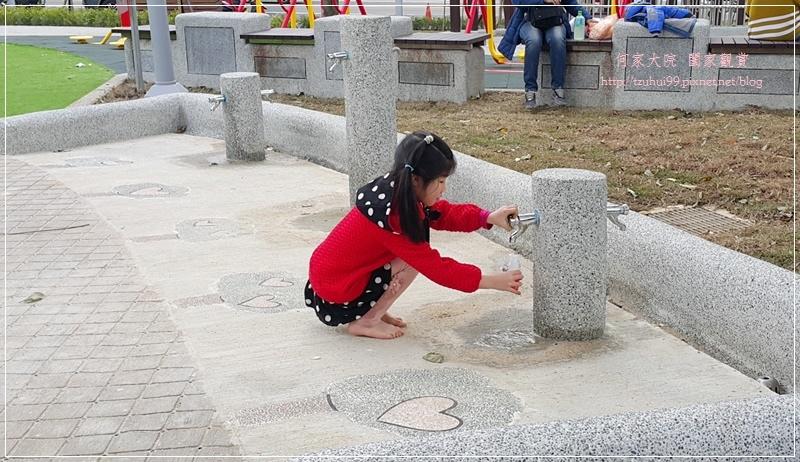 新北林口興林口公園(特色溜滑梯人工草皮沙坑共融公園) 12.jpg