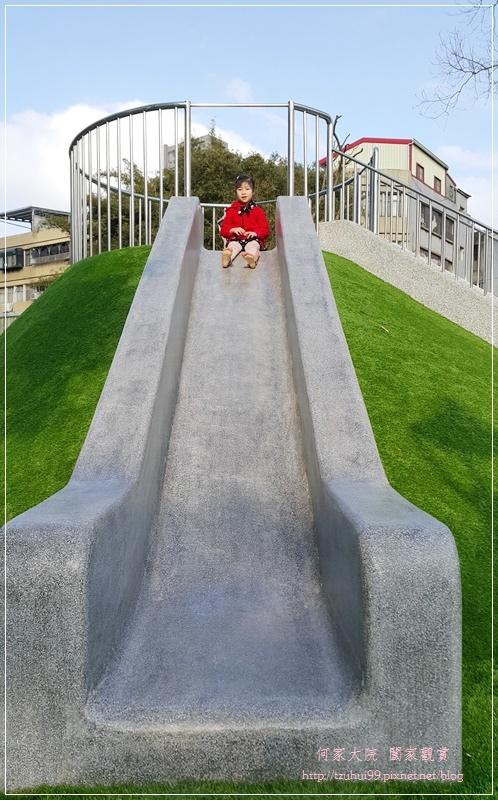 新北林口興林口公園(特色溜滑梯人工草皮沙坑共融公園) 18.jpg