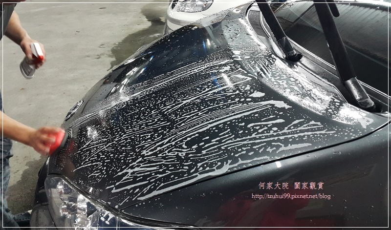 洗車用品推薦~愛車褓母Auto Care 魔黏光滑漆面組(魔潔潤滑液+魔黏的手) 17.jpg