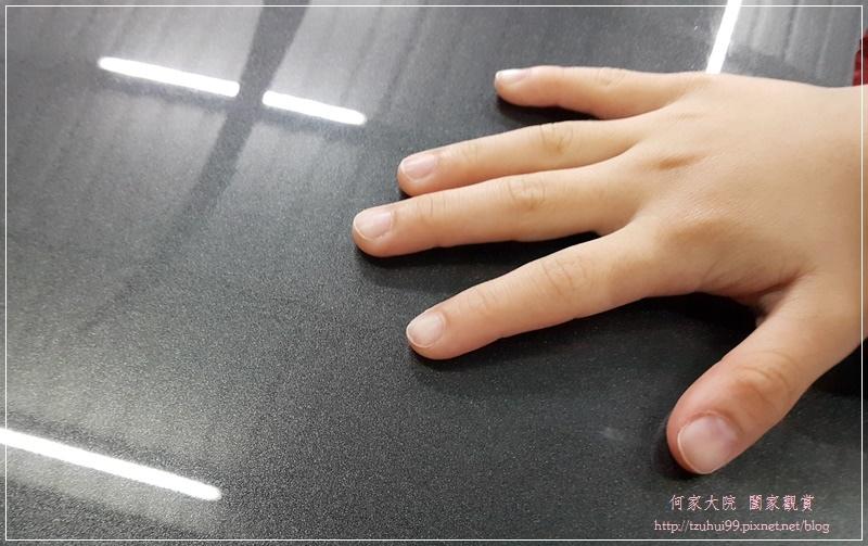 洗車用品推薦~愛車褓母Auto Care 魔黏光滑漆面組(魔潔潤滑液+魔黏的手) 24.jpg