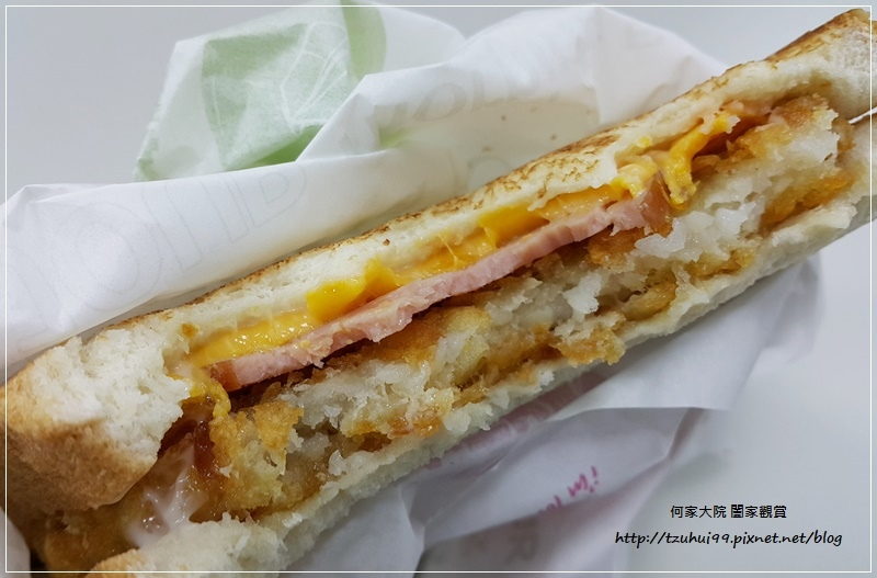 麥當勞超值早餐大方烤土司系列-火腿薯餅烤吐司 14.jpg