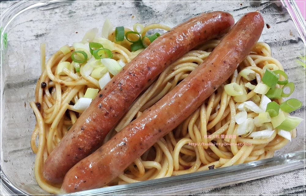龍達德式香腸六小福&煙燻雞肉 21.jpg