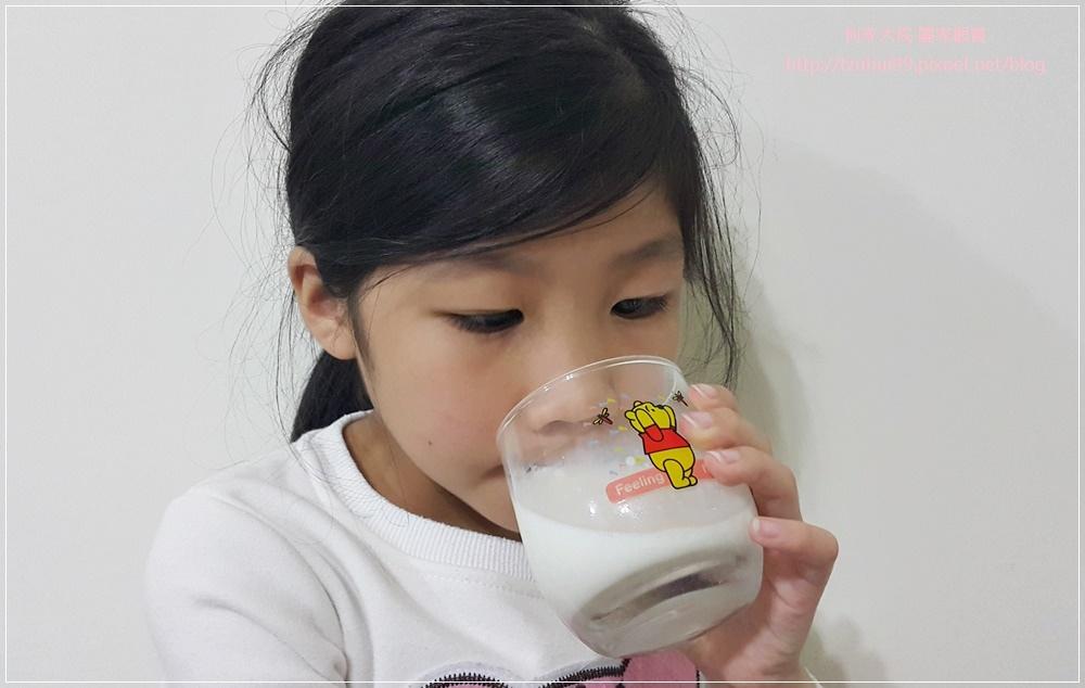 安心同萌 農臨鮮乳+牧之香純鮮乳(台灣在地小農嚴選鮮乳) 07.jpg