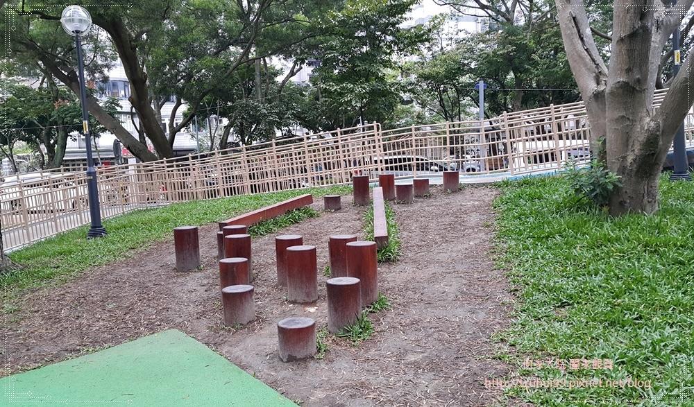 林口運動公園(共融遊戲場+小熊公園) 02-1.jpg