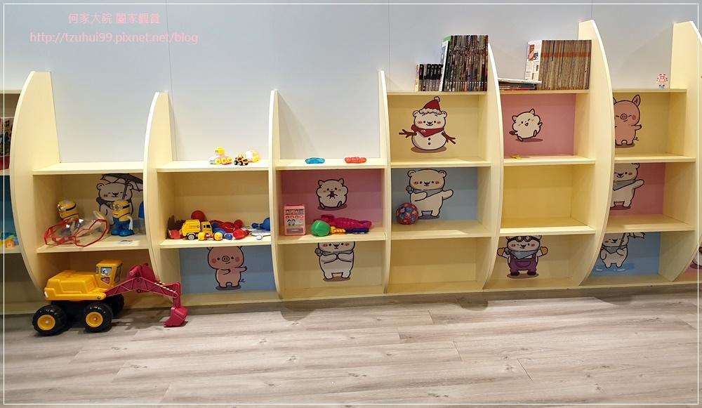 萊爾富便利商店(林口童樂店)內有用餐區與兒童學習體驗角 15.jpg