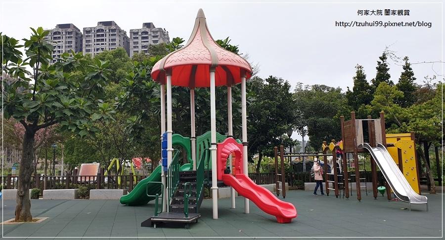 林口一品公園(猴子公園)~特色公園+共融遊戲場+鋼索滑繩+溜滑梯盪鞦韆 07.jpg