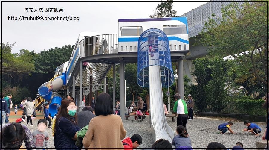 林口樂活公園(捷運車廂公園)特色公園+共融公園+特色溜滑梯 08.jpg